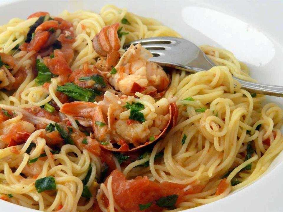 Spaghetti all astice con pomodori cosa cucino oggi for Cucina primi piatti di pesce