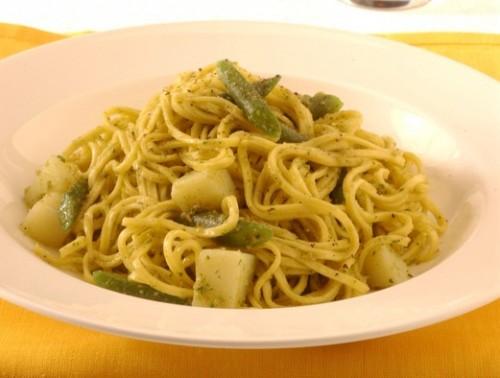 olive, cucina, ricette, ricetta, pesto, primi, primi piatti, pasta, basilico, fagiolini, patate,