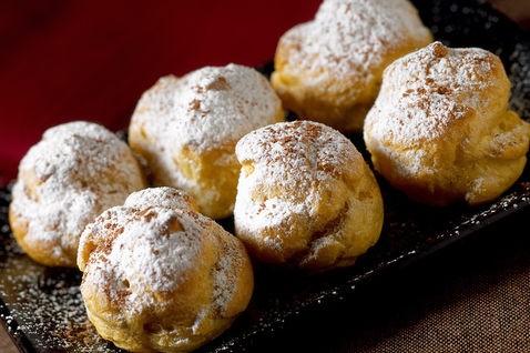 Bigne al caffe, bigne, cuicna, dolci, ricette, ricetta, crea, caffè, cioccolato, panna, crema, dessert, torte,