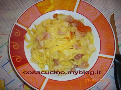tagliatelle patate e pancetta.JPG