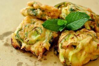 cucina, ricette, ricetta, zucchine, frittelle, frittura, ricette di cuina, recipes zafferano,