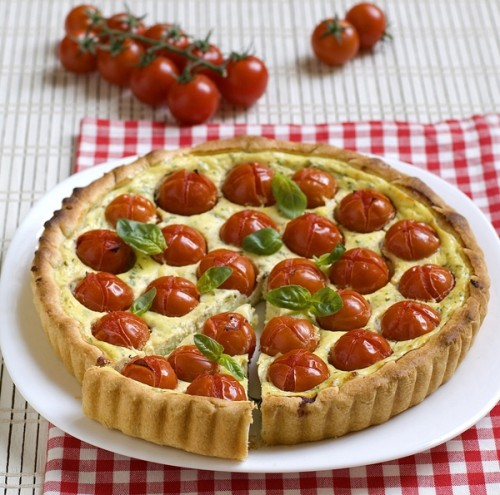 Crostata di ricotta e pomodori pachino, cucina, ricotta, pomodori, crostata, torta salata, pachino