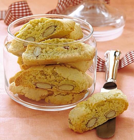 Biscottini di prato alle mandorle ideali col caff dopo cena cosa cucino oggi ricette di - Cosa cucino oggi a cena ...