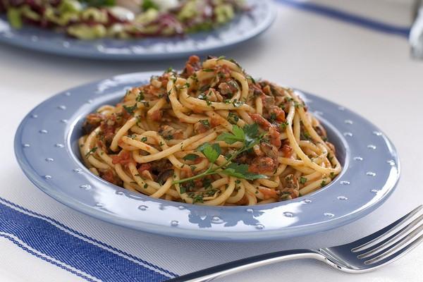 Spaghetti al rag di vongole ricetta veloce e semplice for Cucina veloce e semplice