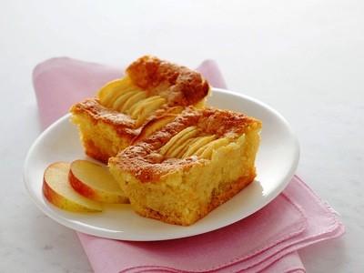 Mini plum cake alle mele.jpg