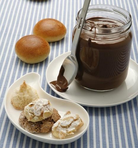 cucina,dolci,desset,ricette,ricetta,crema,cioccolato,nocciole,crema di nocciole
