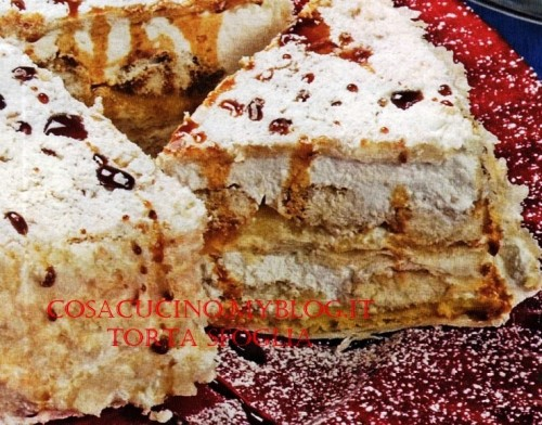cucina,dolci,torte,torta,pasta sfoglia,savoiardi,maraschino,zucchero a velo