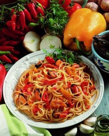 cucina,ricette,ricetta,primi piatti,primi con pesce,cozze,peperoni,food,pomodori,frutti di mare