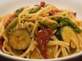 Spaghetti asparagi e zucchine