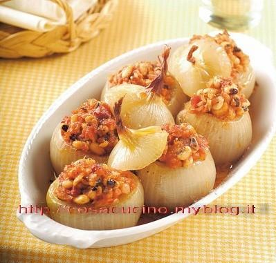 Cipolle farcite ai fagioli