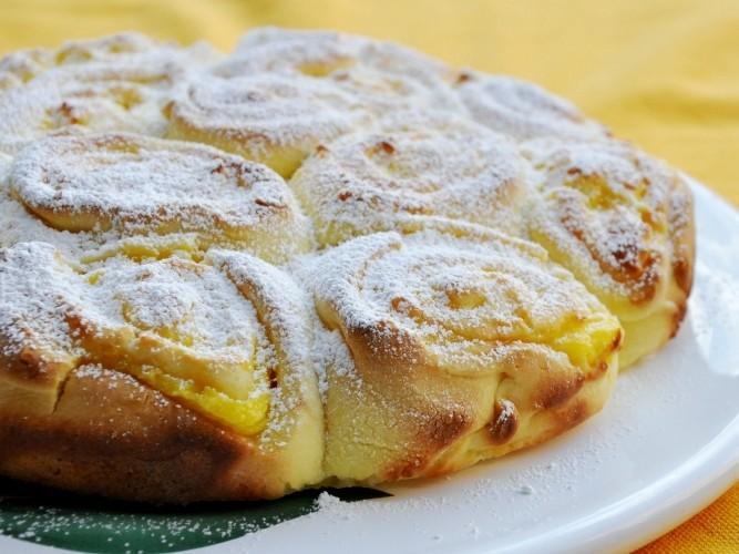 Torta di rose al limone