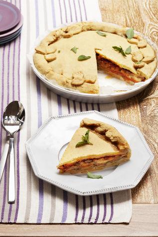 Torta di melanzane, mozzarella e pomodoro
