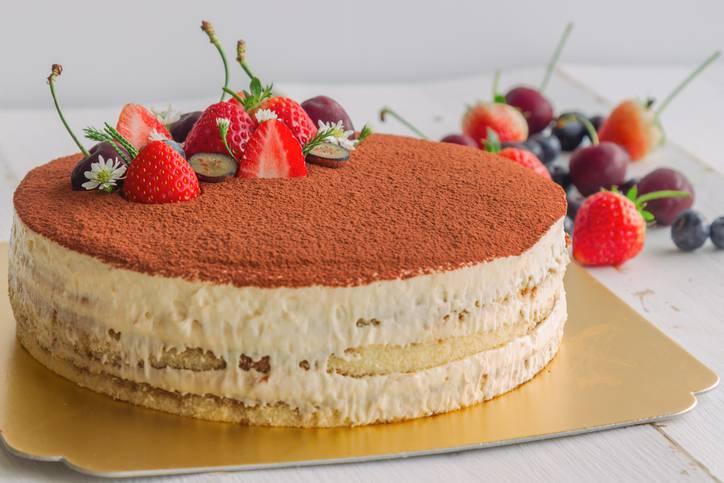 Torta ripiena di crema al Bayles