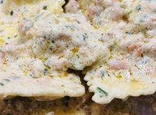 Ravioli con crema di salmone e panna