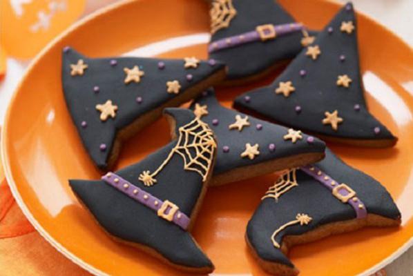 Biscotti al cacao speziati per riempire la calza della Befana