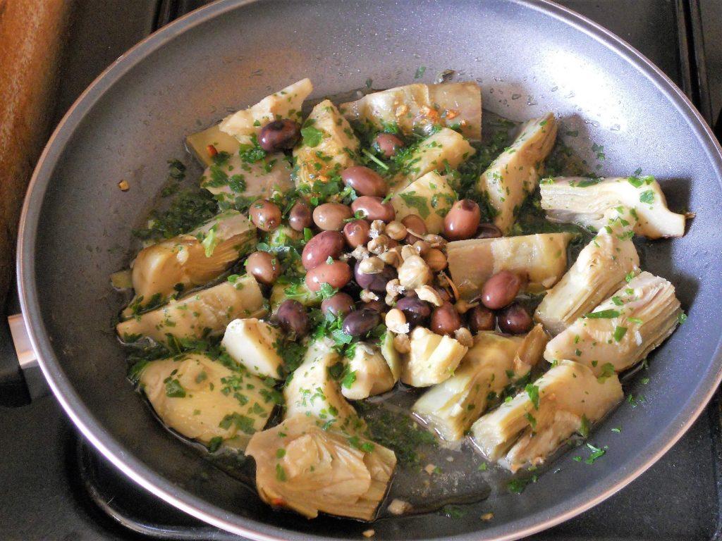 Carciofi-a-funghetto-con-olive-taggiasche-3