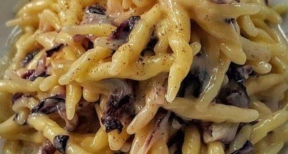 Pasta radicchio e gorgonzola