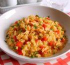Risotto con salmone fresco, peperoni e zafferano1