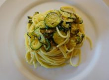Carbonara-di-zucchine-e-pancetta-638x425